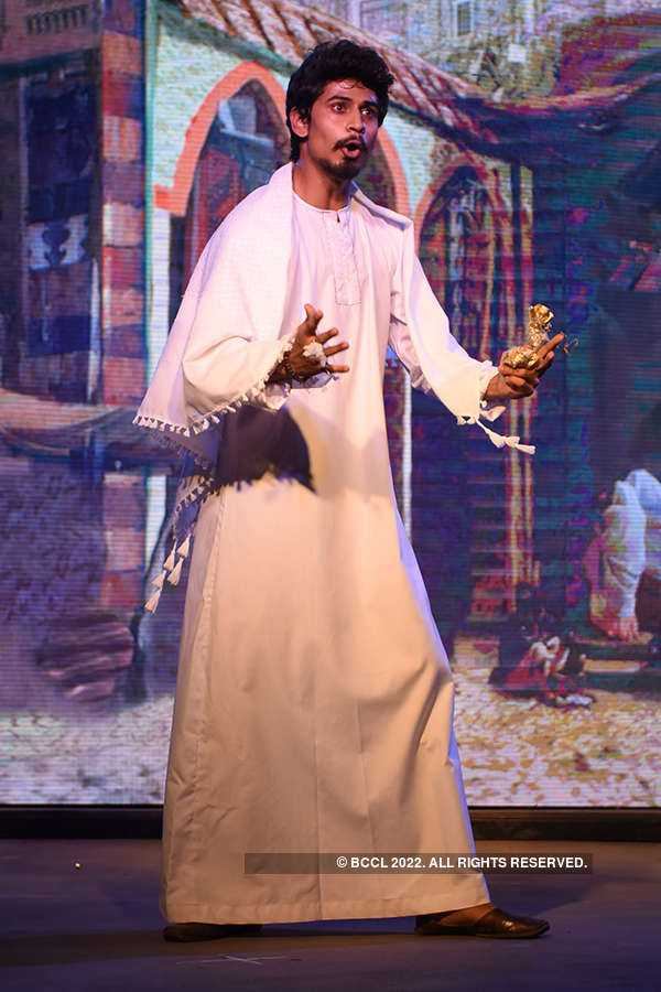 Ali Baba and the Forty Thieves: Play