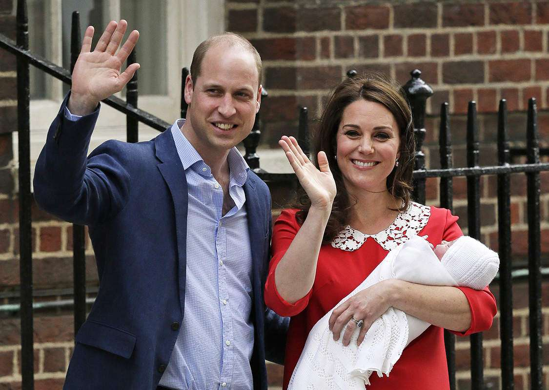 Pictures of newborn royal as Prince William & Kate Middleton welcome their baby boy