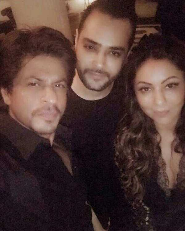 Shah Rukh Khan's candid selfie with his wife Gauri Khan