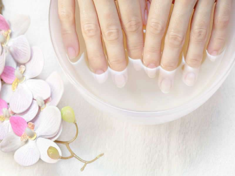10 ways to treat sweaty hands and feet | The Times of India