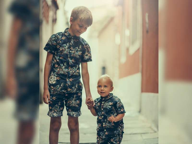 7 struggles of being the younger sibling | The Times of India