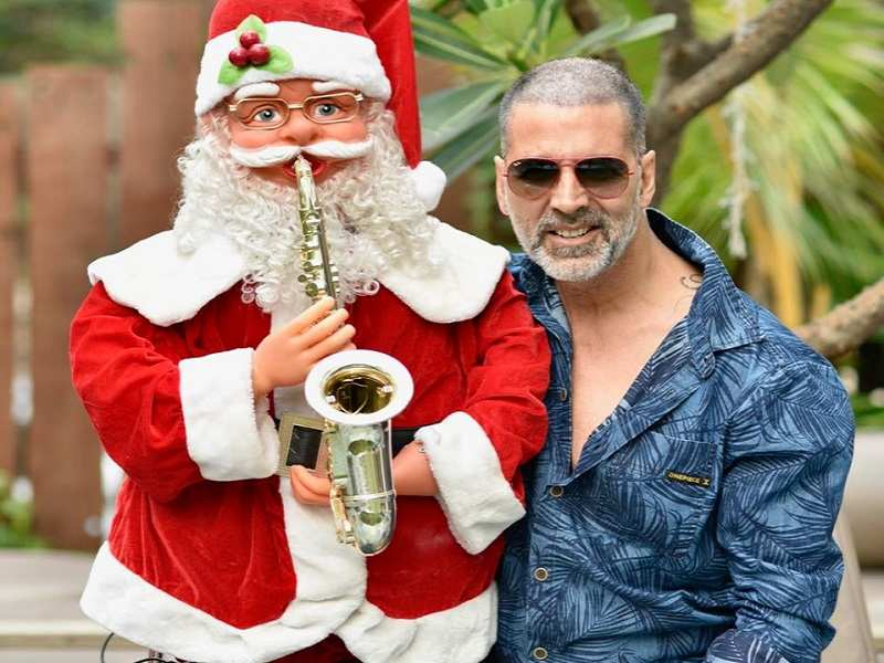 Akshay Kumar gets in the holiday spirit as he poses for a quirky picture