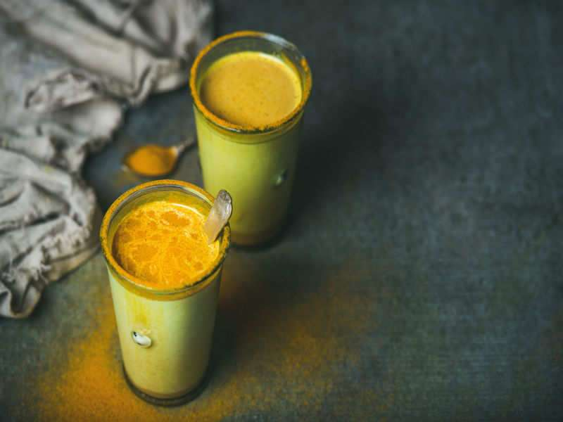 5 reasons why haldi doodh is the best night drink for WEIGHT
