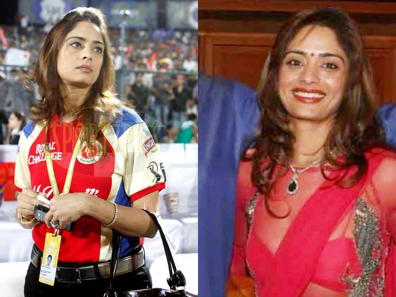 We think Pinky Lalwani needs to hire a stylist now! | The