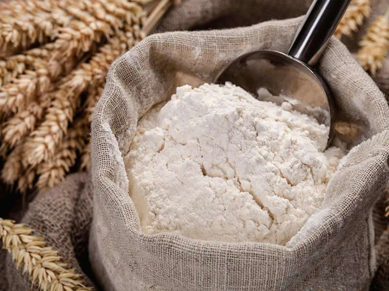 What's the difference between whole wheat flour and refined