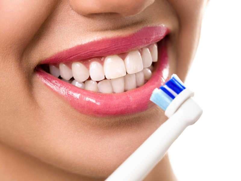 How to get rid of dark lips naturally : 5 tips to lighten