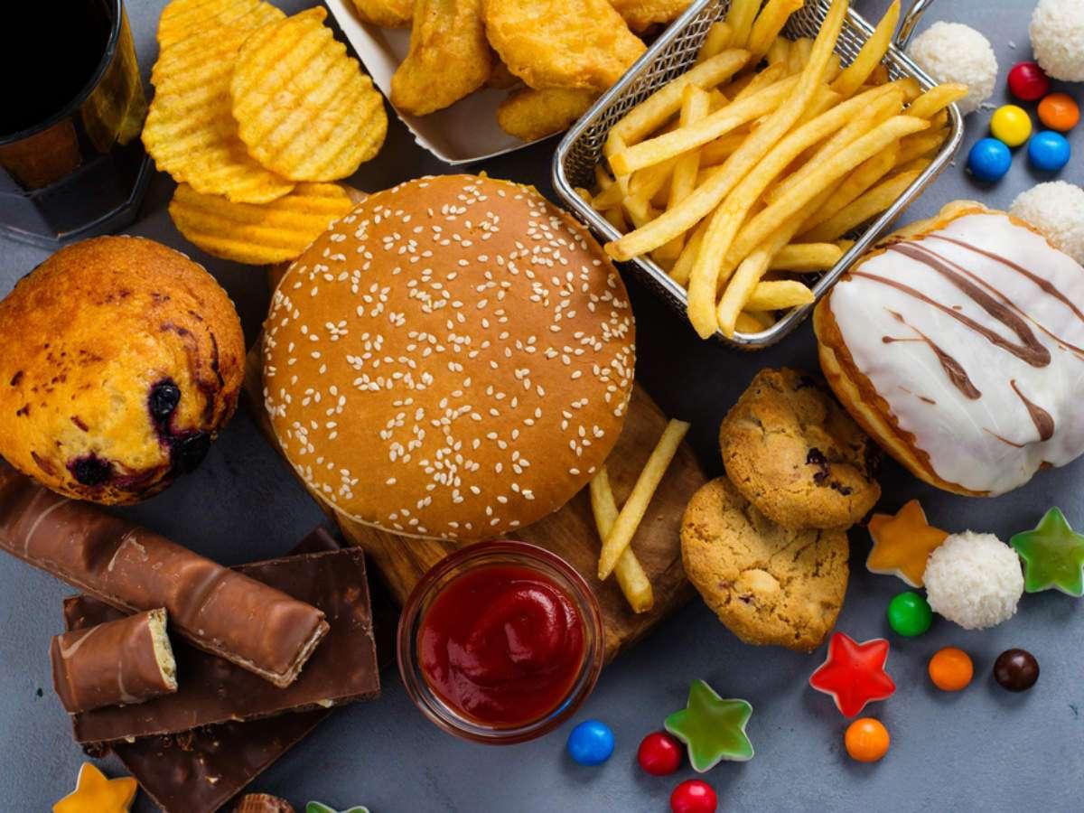 Hasil gambar untuk 4. Fast food