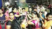 Mumbaikars celebrate Holi with joy and fervour