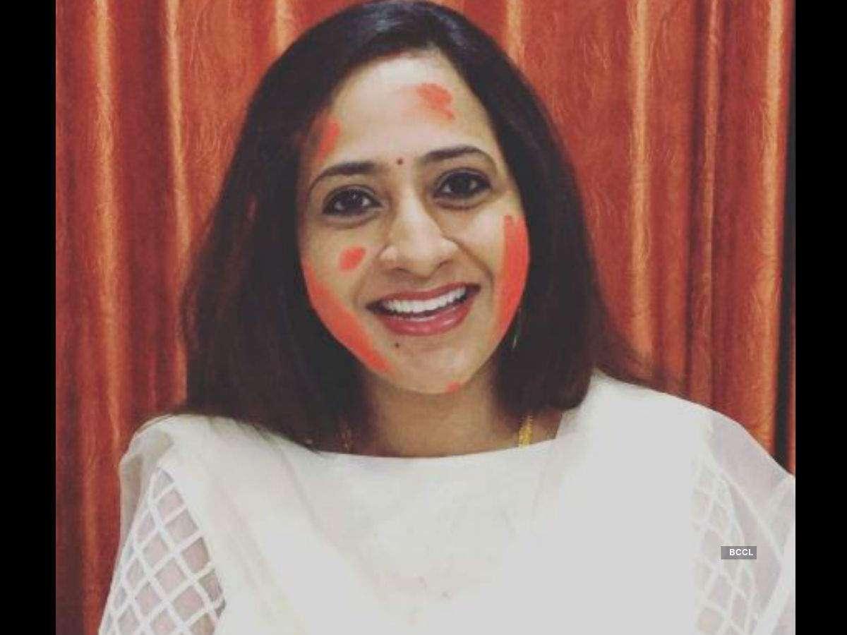 Holi 2019: Lakshmi Manchu, Sekhar Master and others send out