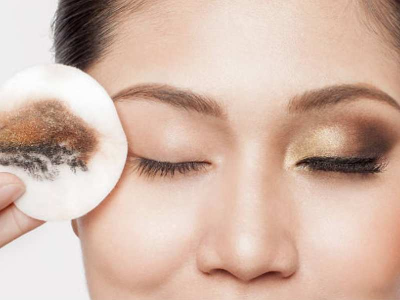 Natural ways to remove makeup efficiently and without damaging ...