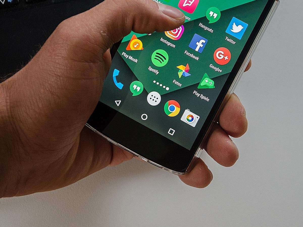 anroid q navigation button: Android users still prefer this
