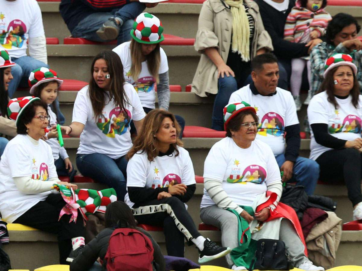 Bildergebnis für Iran to let women attend football World Cup qualifier: ministry