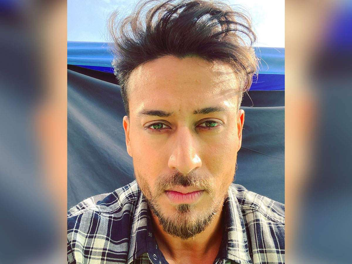 THIS selfie of Tiger Shroff proves that he looks hot even on a bad